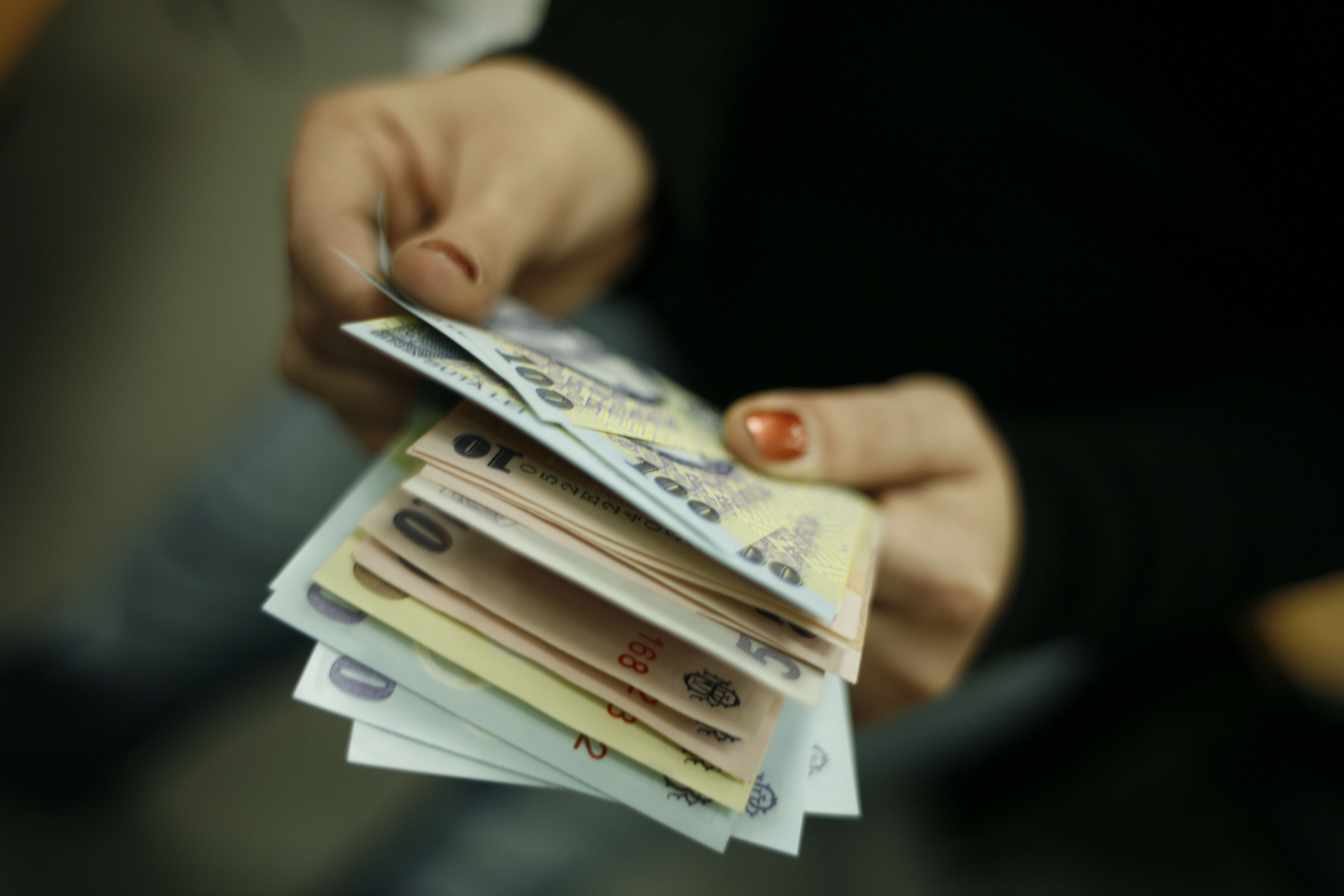 strategie rapidă de bani)