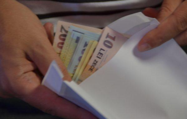 Cine plătește și cine este scutit pentru contribuția de asigurări sociale de sănătate (CASS)